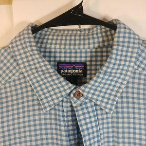 Patagonia Men's Medium Pockets Blue Button Shirt